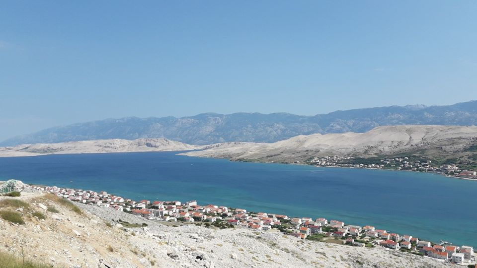 Pogled na paški zaliv