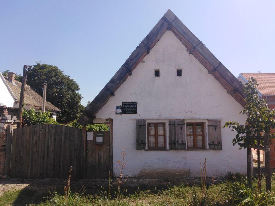 Zavičajna kuća podunavskih Nemaca u Sr.Karlovcima